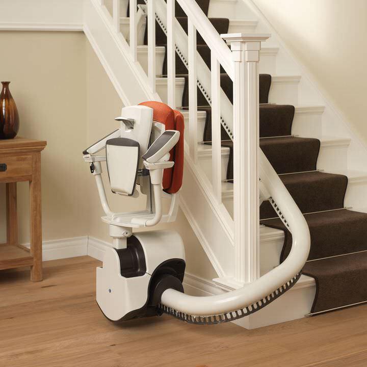 Treppenlift an einer Treppe